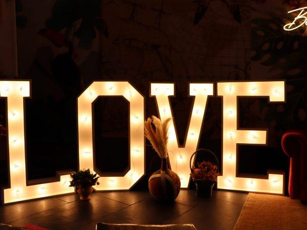 letras-love-cucu-flash-box-fotomaton